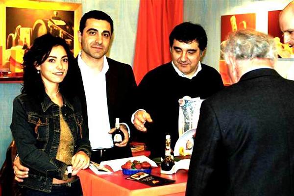 2004 presentazione del marchio ala tradizione al Vinitali a Verona