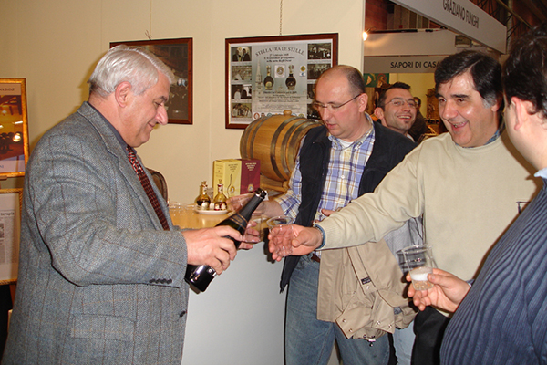 2005 Il del copresidente del consorzio Corsinifesteggi i 5 anni della DOP.