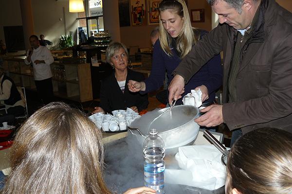2007 Genova Festival della scienza alimentare cottura con azzoto liquido di Meringa al Balsamico Tradizionale